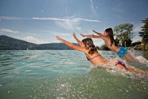 Schwimmen im Familienhotel Fasching direkt am Längsee