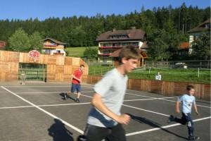 Fun am Fun-Court im Familienhotel Fasching direkt am Längsee